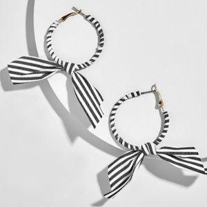 | stunning stripes earring |